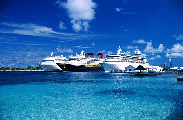 Ships, New Providence, Bahamas